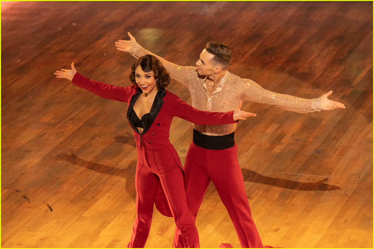 adam rippon jenna johnson dancing with the stars 044088370