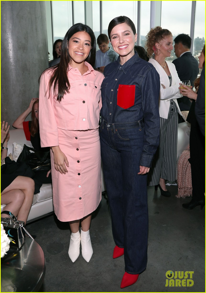 gina rodriguez and sophia bush share a hug at ciroc empowered womens brunch 014090142