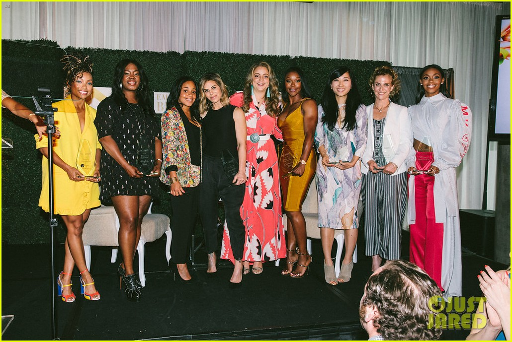 gina rodriguez and sophia bush share a hug at ciroc empowered womens brunch 084090149