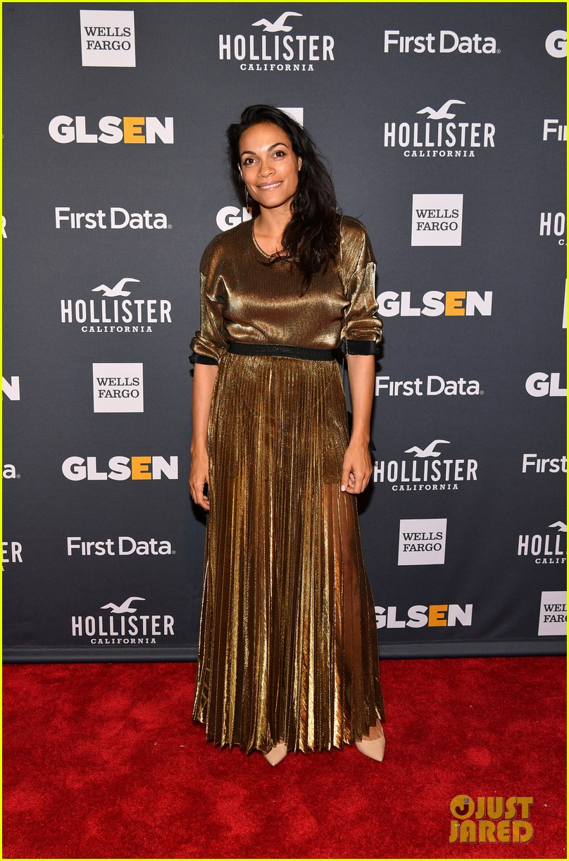 rosario dawson gets honored at glsen respect awards 01