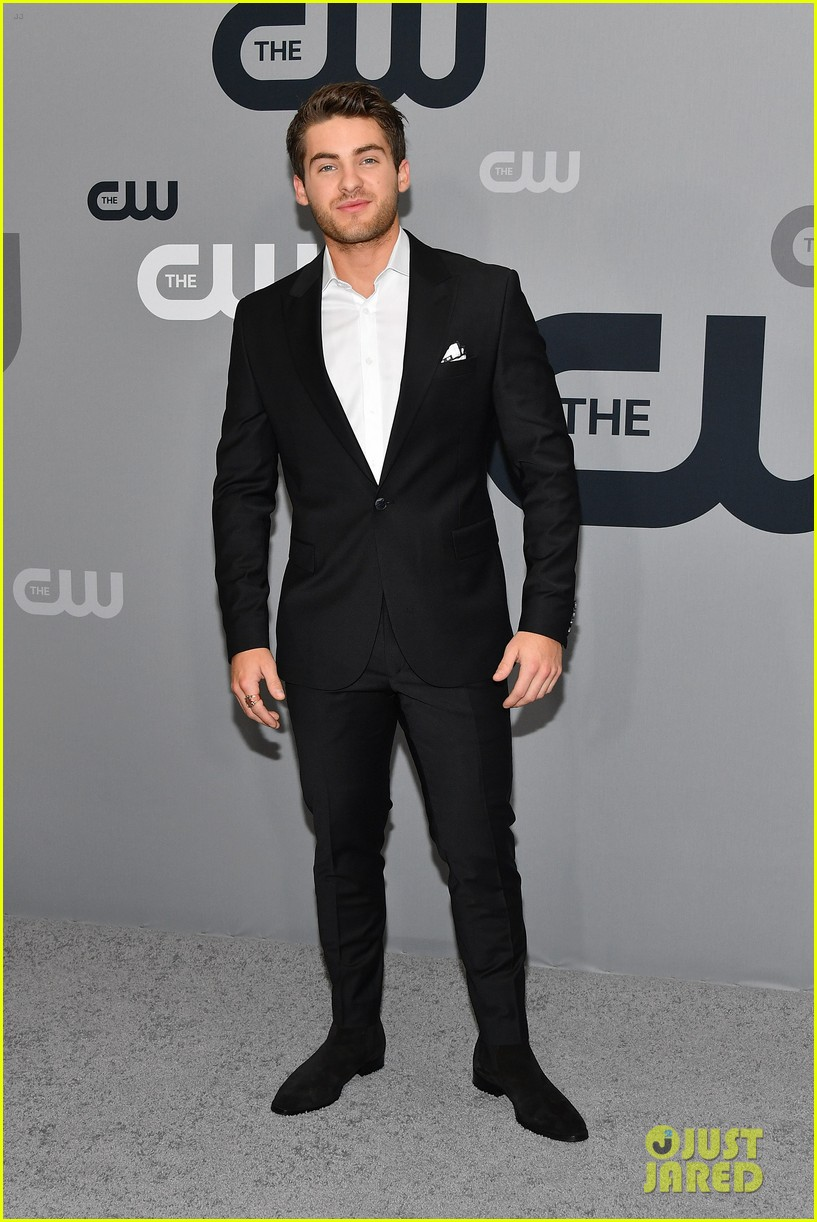 cody christian american roswell cw upfronts 024084660
