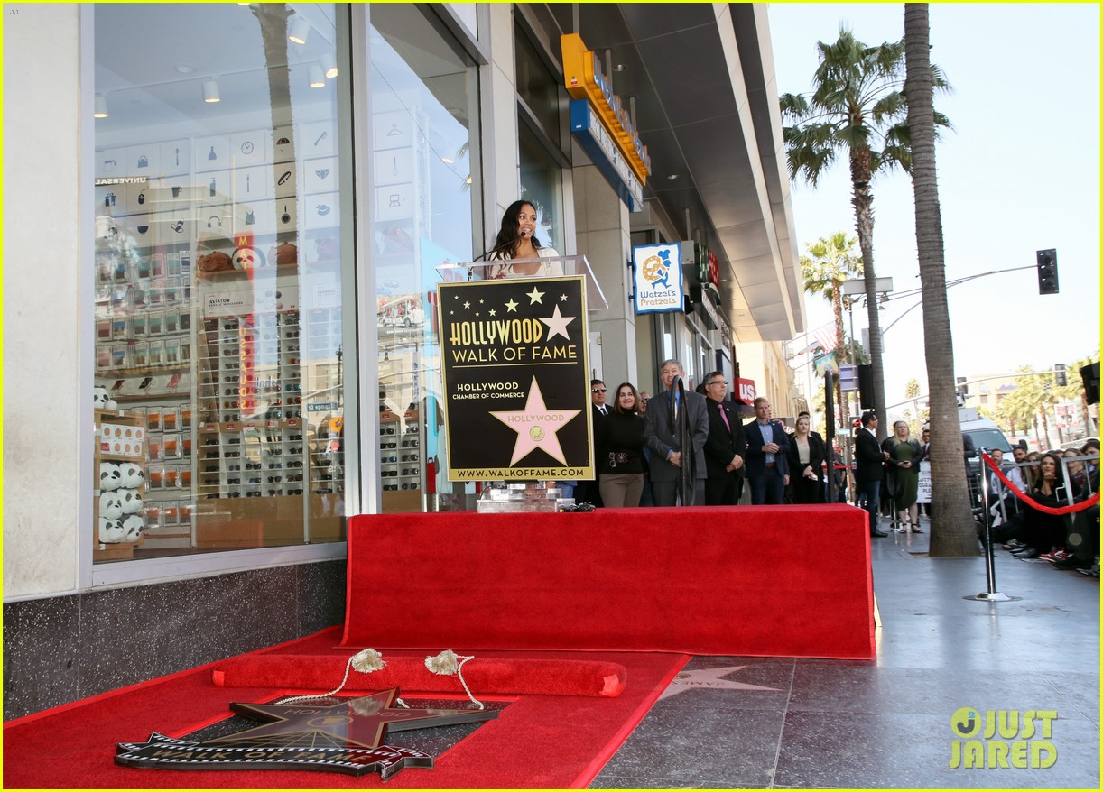 Zoe Saldana\'s Three Kids Join Her to Unveil Star on Hollywood Walk ...
