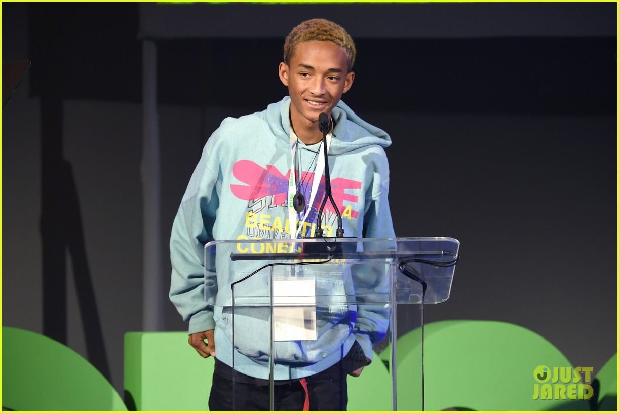 jaden smith odessa adlon cozy up at environmental media awards 1884089585
