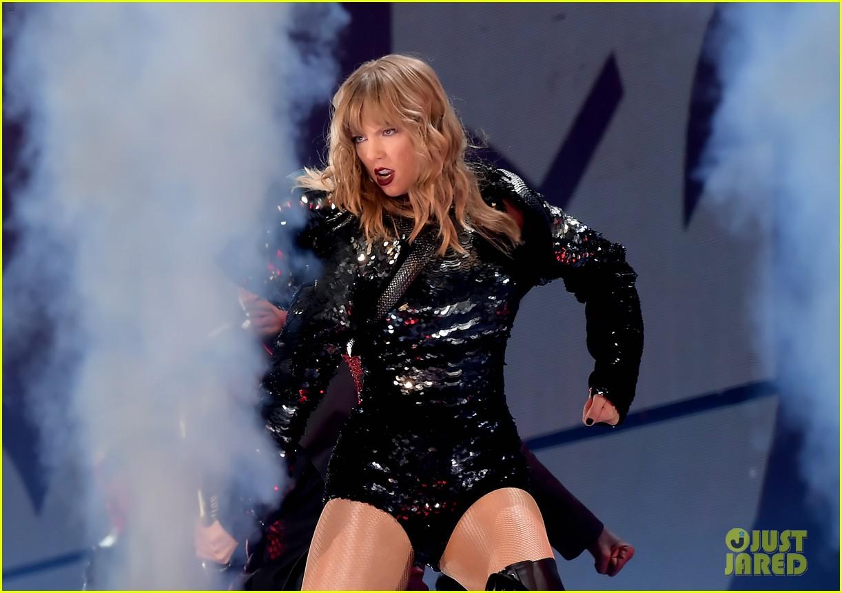 Taylor Swift  Tour Seattle Setlist