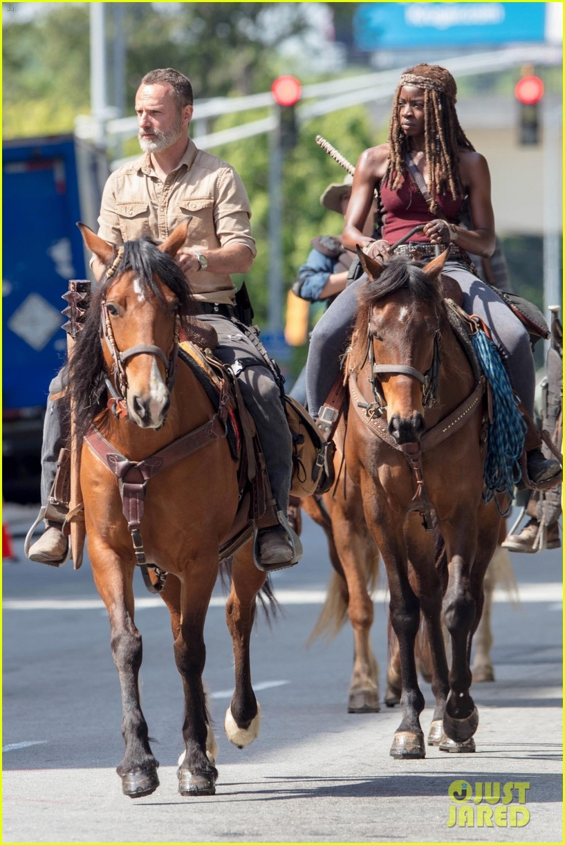 Walking Dead Set Photos Show Cast On Horseback For Season 9 Photo 4076413 Alanna Masterson