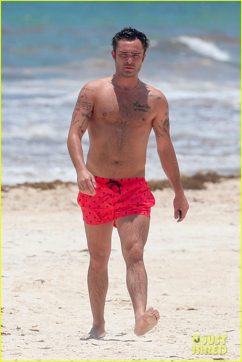 ed westwick shirtless beach photos 01