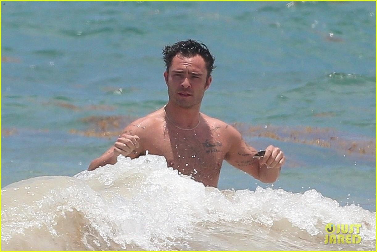 ed westwick shirtless beach photos 09