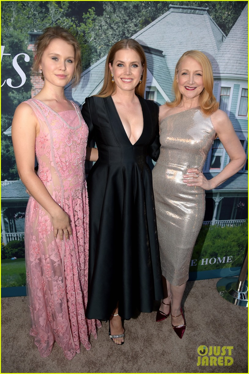 amy adams chris messina patricia clarkson sharp objects premiere 034107995
