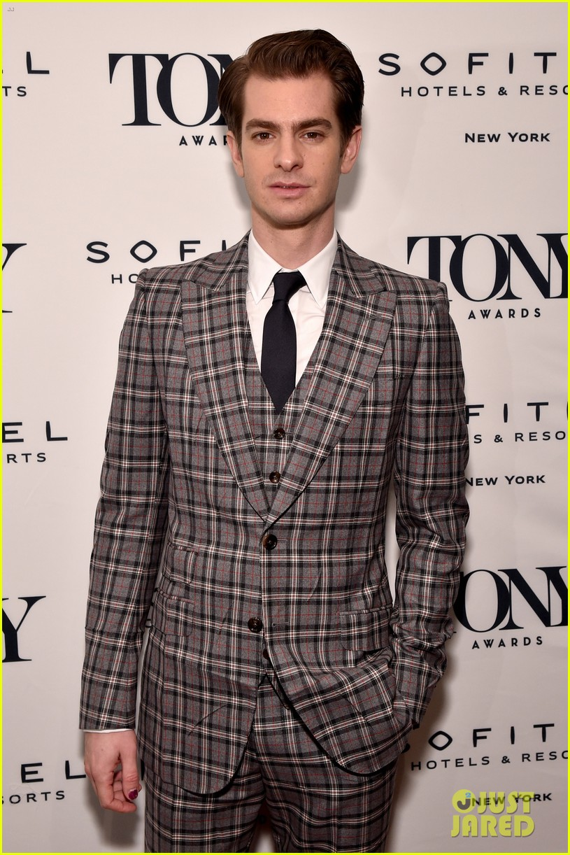 andrew garfield denise gough tony honors cocktail party 114095427