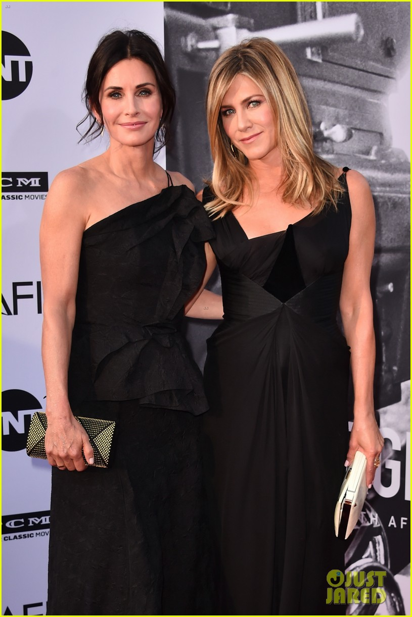 jennifer aniston courteney cox afi tribute 034097315