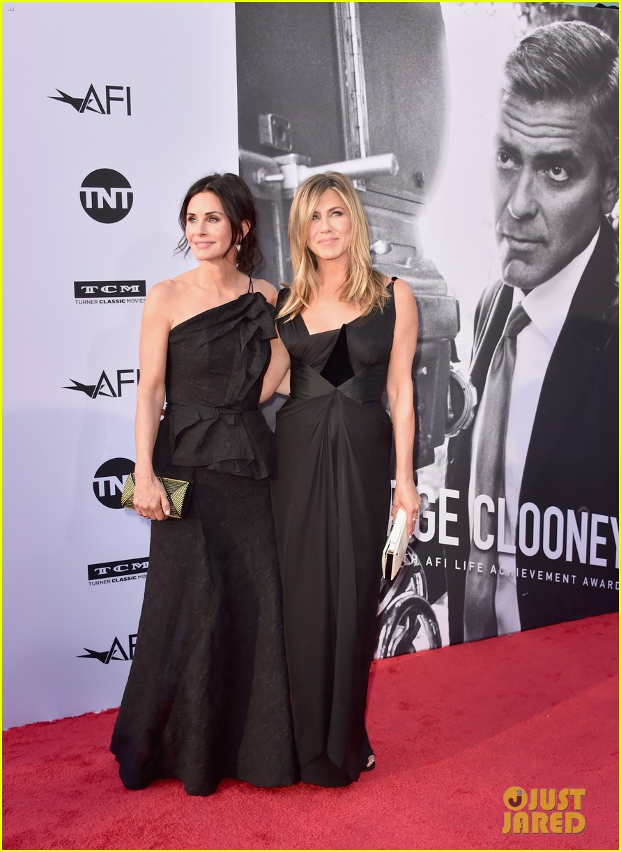 jennifer aniston courteney cox afi tribute 054097317