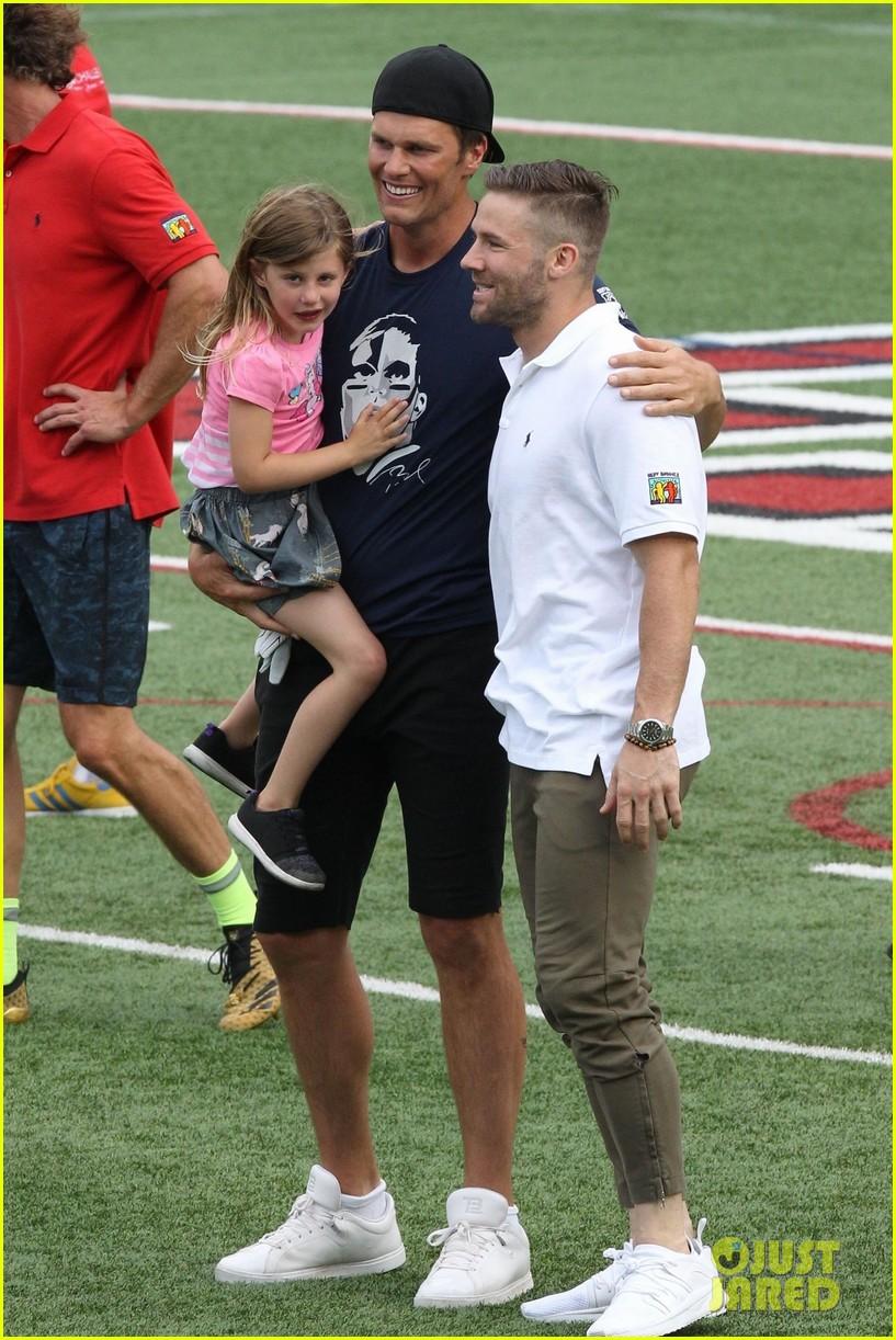 tom brady plays football with his kids best buddies 014094182