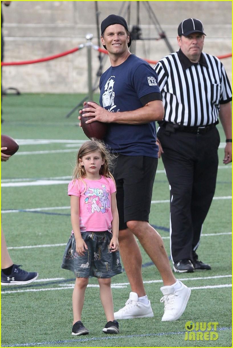 tom brady plays football with his kids best buddies 064094187