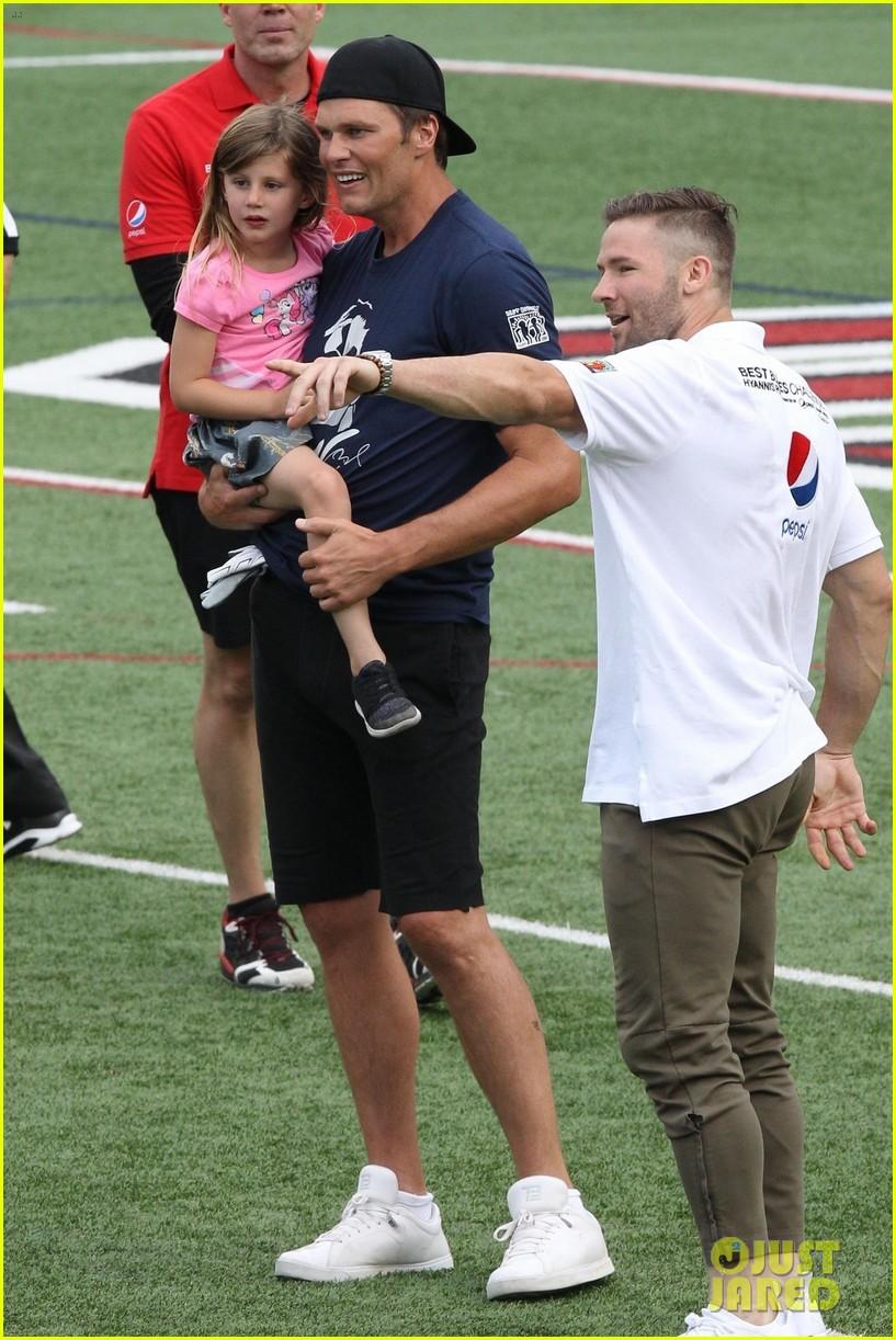 tom brady plays football with his kids best buddies 214094202