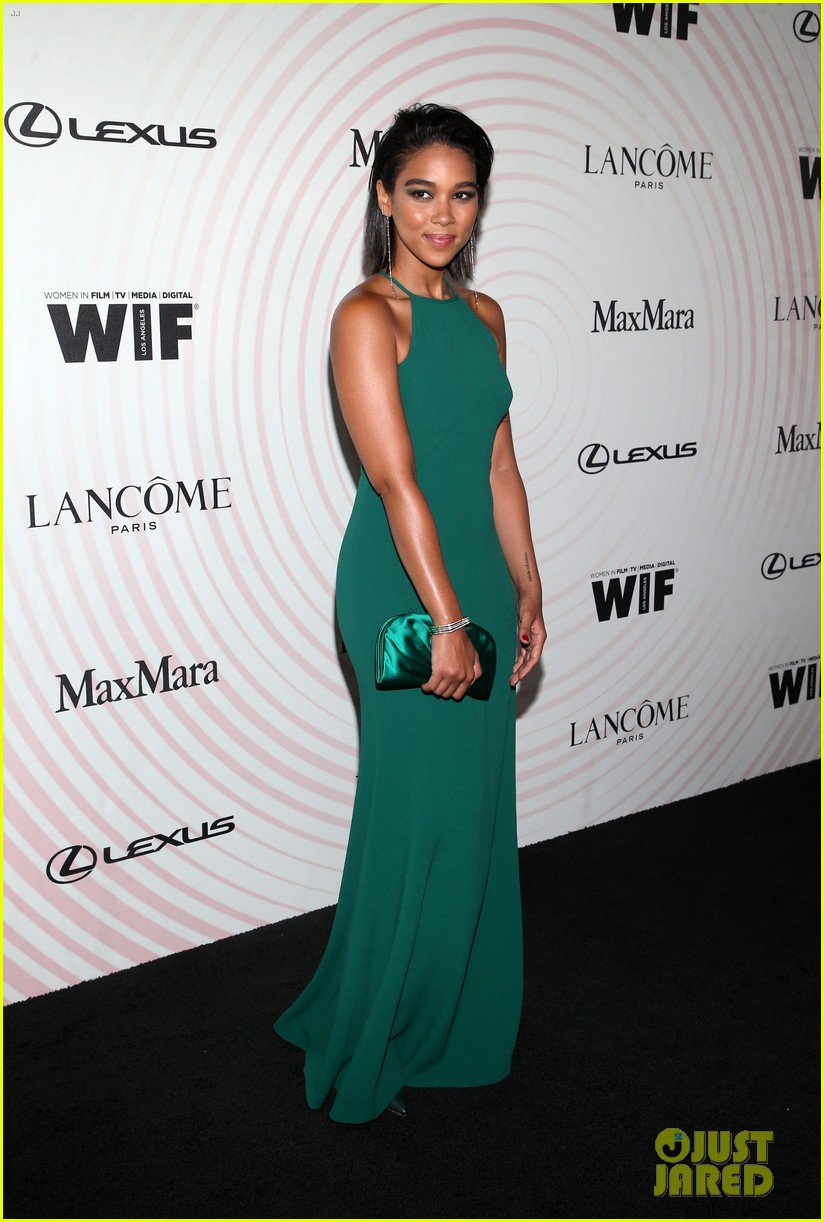 brie larson advocates for diverse critics at women in film crystal lucy awards 114101313