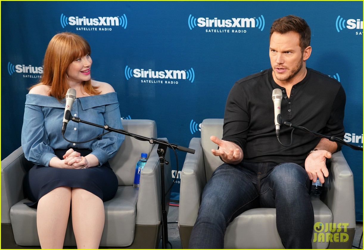 bryce dallas howard chris pratt siriusxm june 2018 064101816
