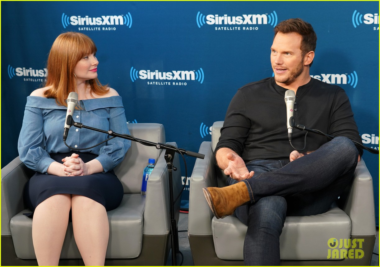 bryce dallas howard chris pratt siriusxm june 2018 104101820