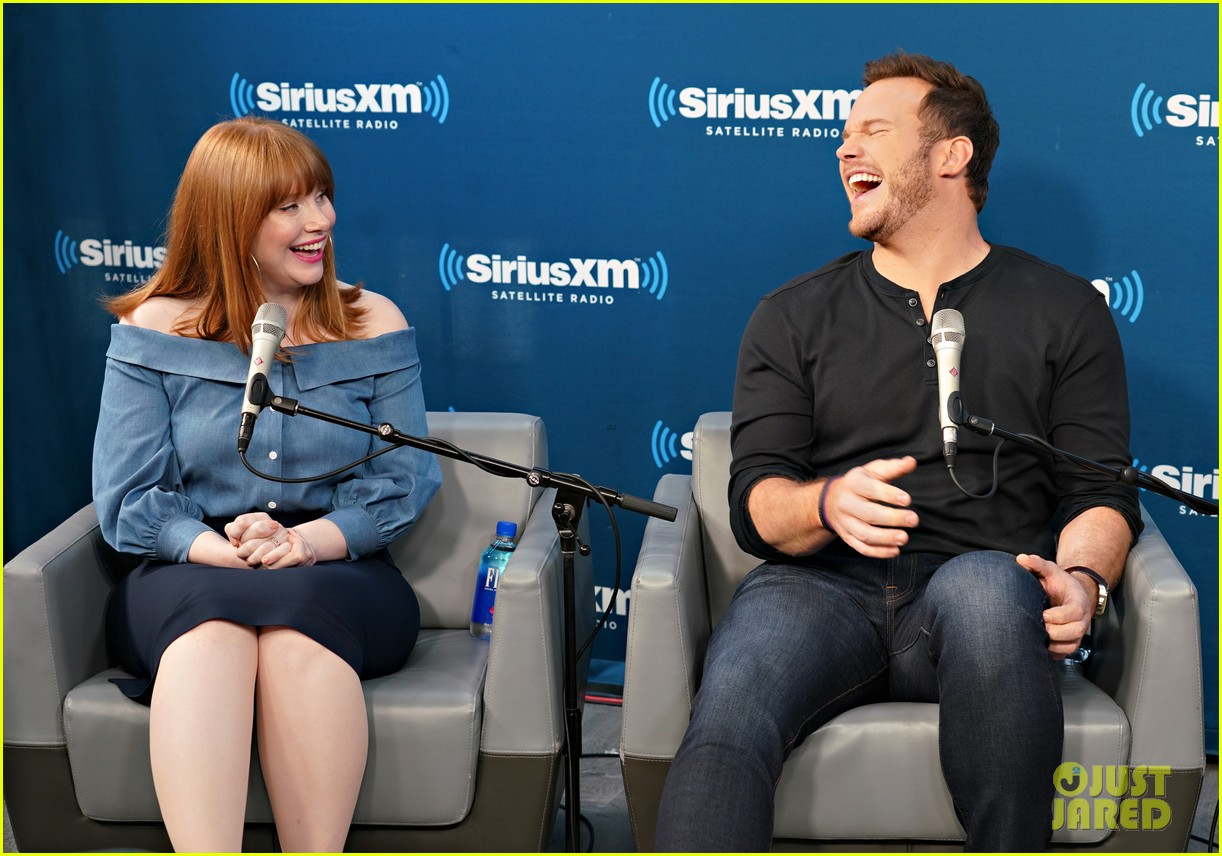 bryce dallas howard chris pratt siriusxm june 2018 114101821