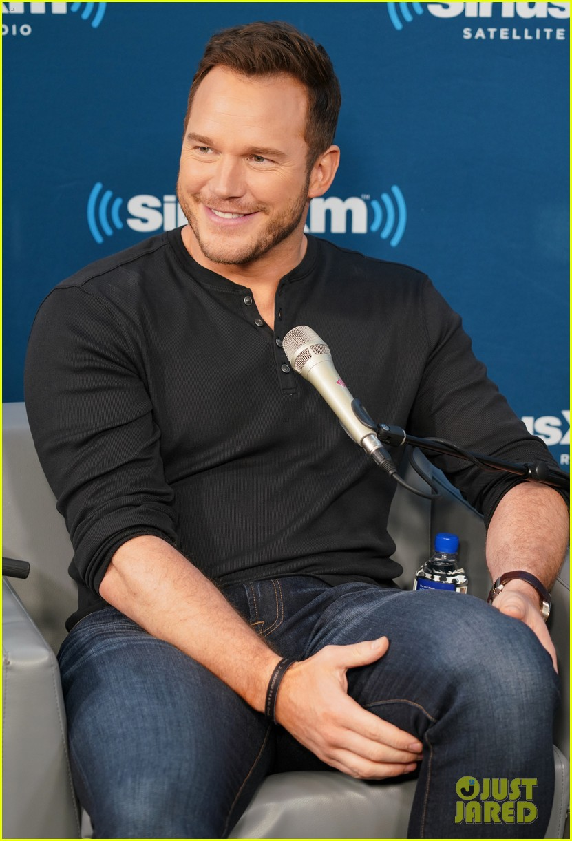 bryce dallas howard chris pratt siriusxm june 2018 134101824