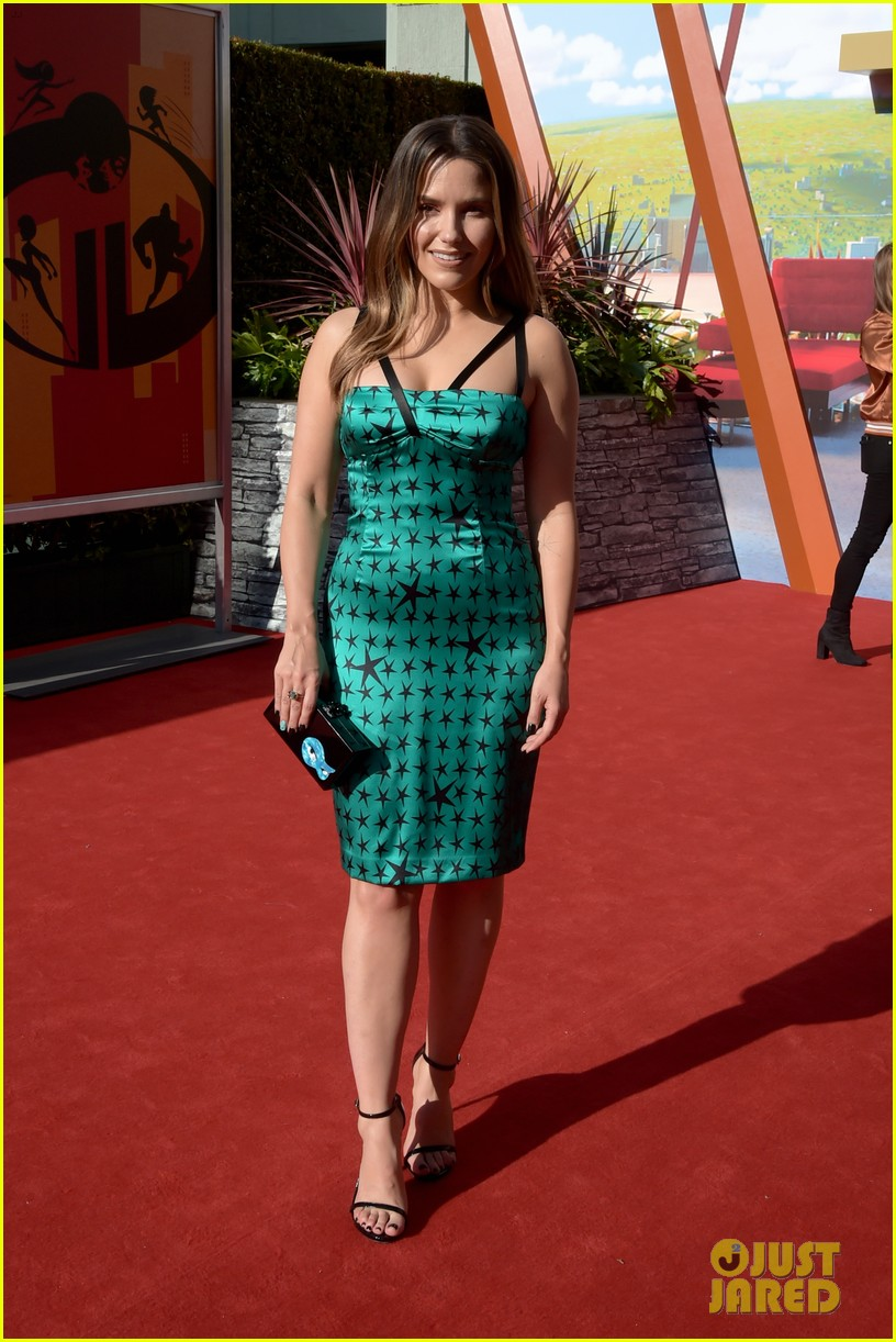 sophia bush incredibles 2 premiere 044096053