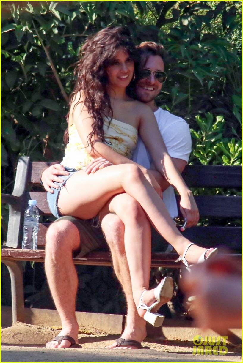 Camila Cabello Amp Boyfriend Matthew Hussey Share A Kiss In