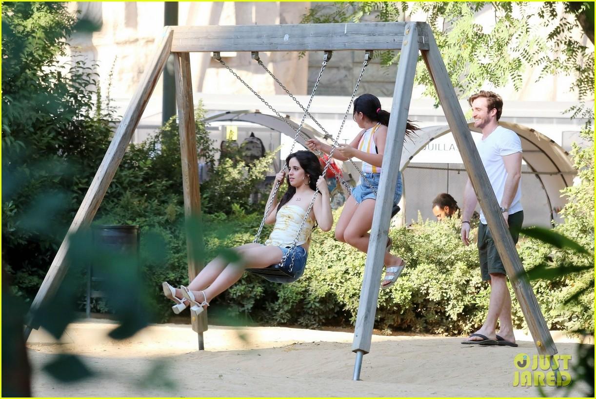 Camila Cabello Amp Boyfriend Matthew Hussey Share A Kiss In Barcelona Photo 4108252 Camila
