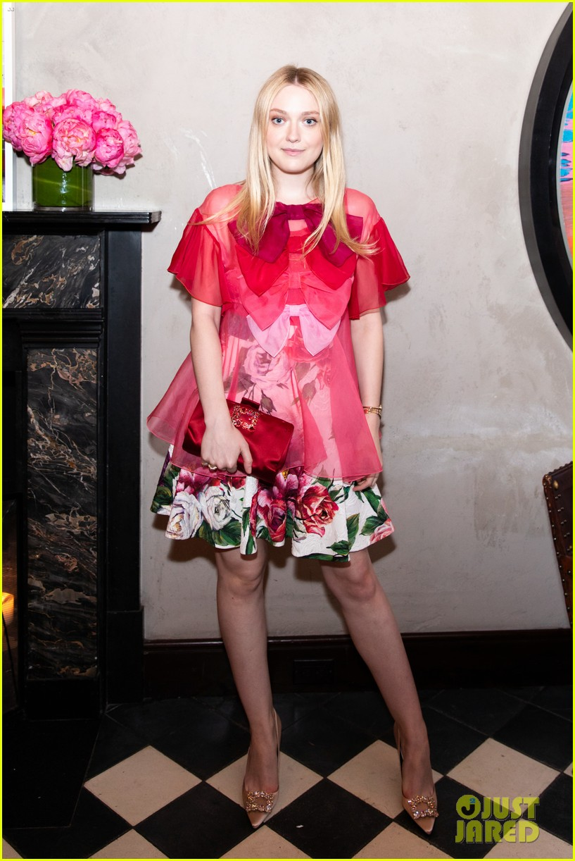 dakota fanning katie holmes roger vivier book launch 014093750