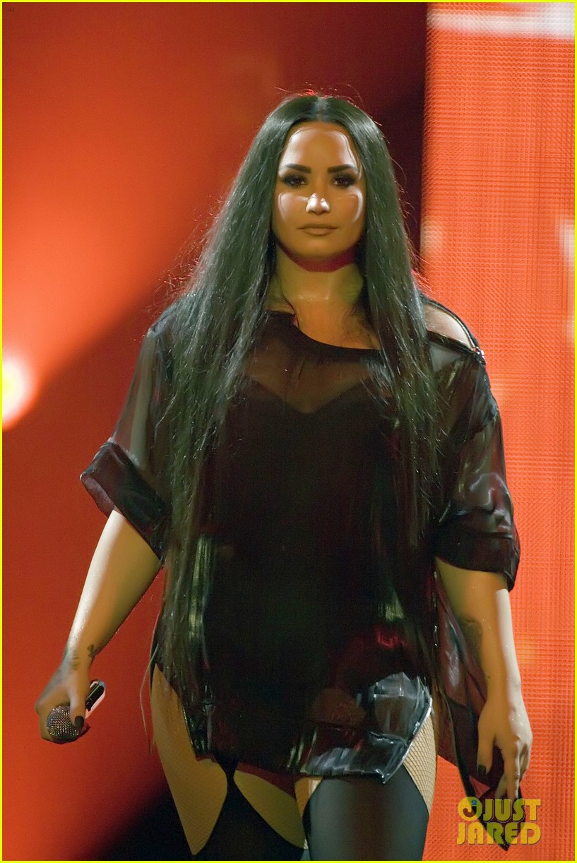 demi lovato concert june 2018 004101179