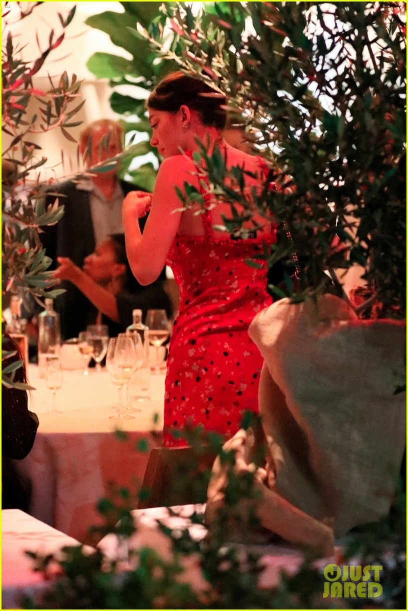 leonardo dicaprio camila morrone dinner with her family 094101840