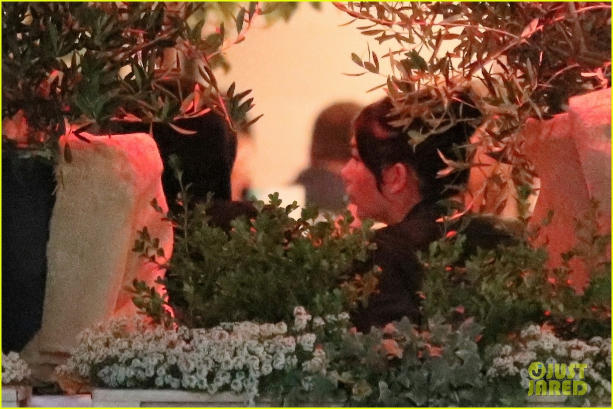 leonardo dicaprio camila morrone dinner with her family 244101855