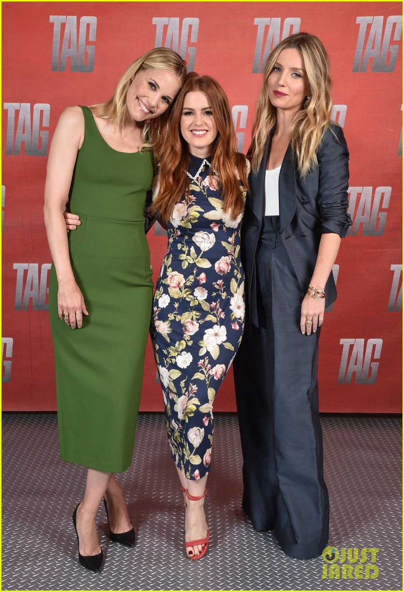 isla fisher jon hamm cast mates promote new movie tag 024094510