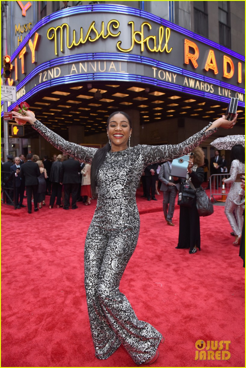 tiffany haddish shines in jumpsuit at tony awards 034099204