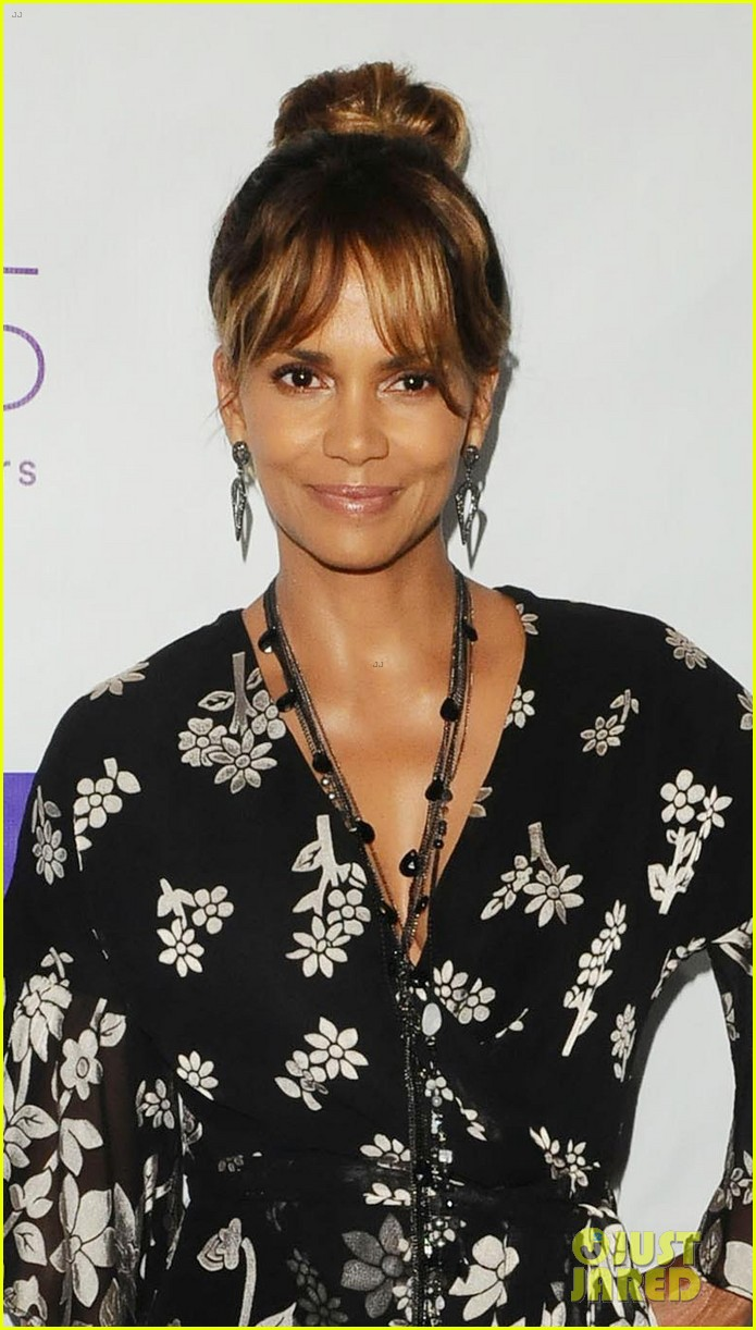 halle berry imagine cocktail party 2018 024108377