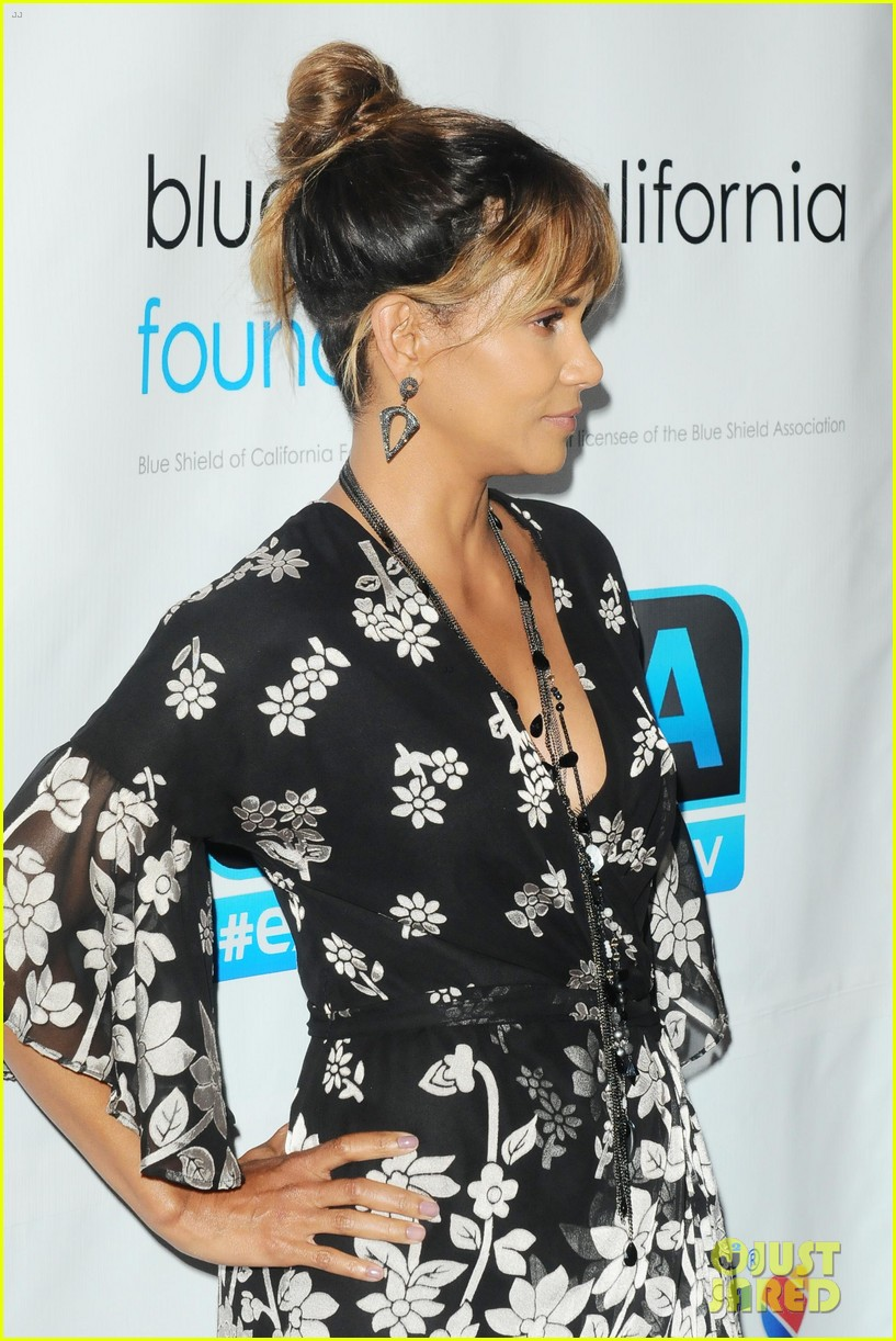 halle berry imagine cocktail party 2018 044108379