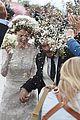 kit harington rose leslie leave wedding in just married car 02