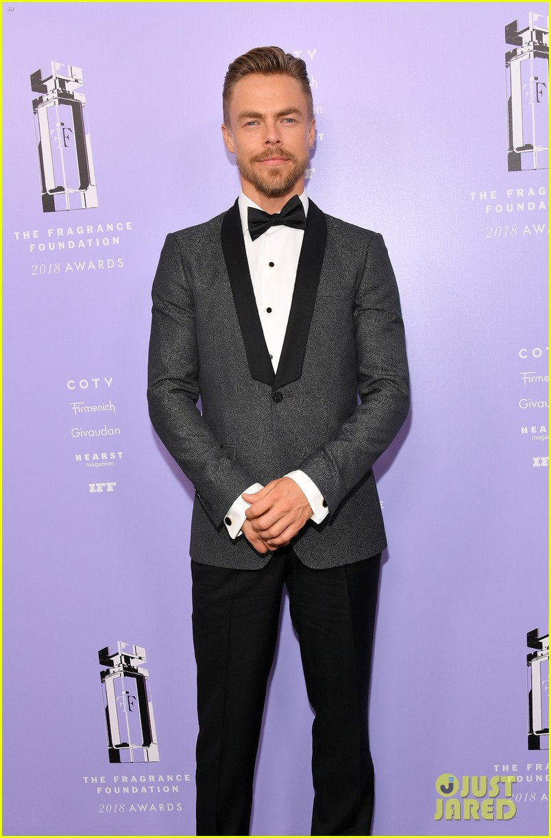 derek hough nina dobrev fragrance foundation awards 084100627