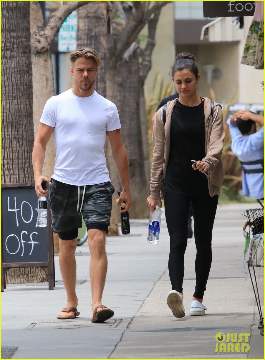 derek hough hayley erbert relaxing weekend 084103614