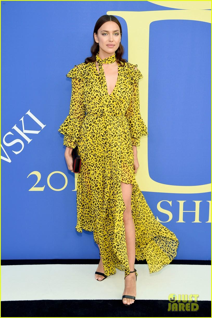 irina shayk rosie huntington whiteley cfda fashion awards 014095098