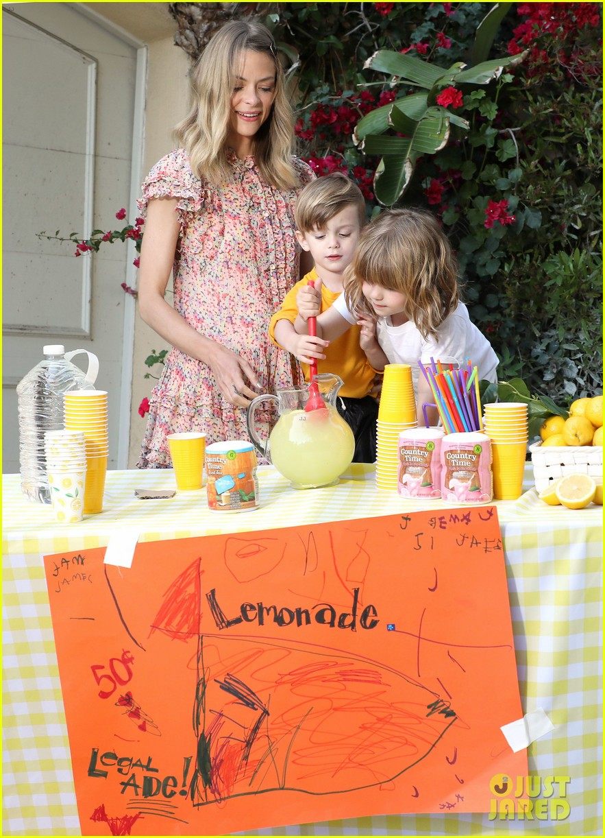 jaime king kids lemonade stand 054100341
