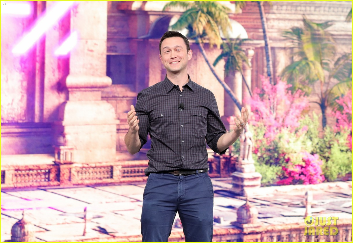elijah wood joseph gordon levitt e3 game conference 044099778