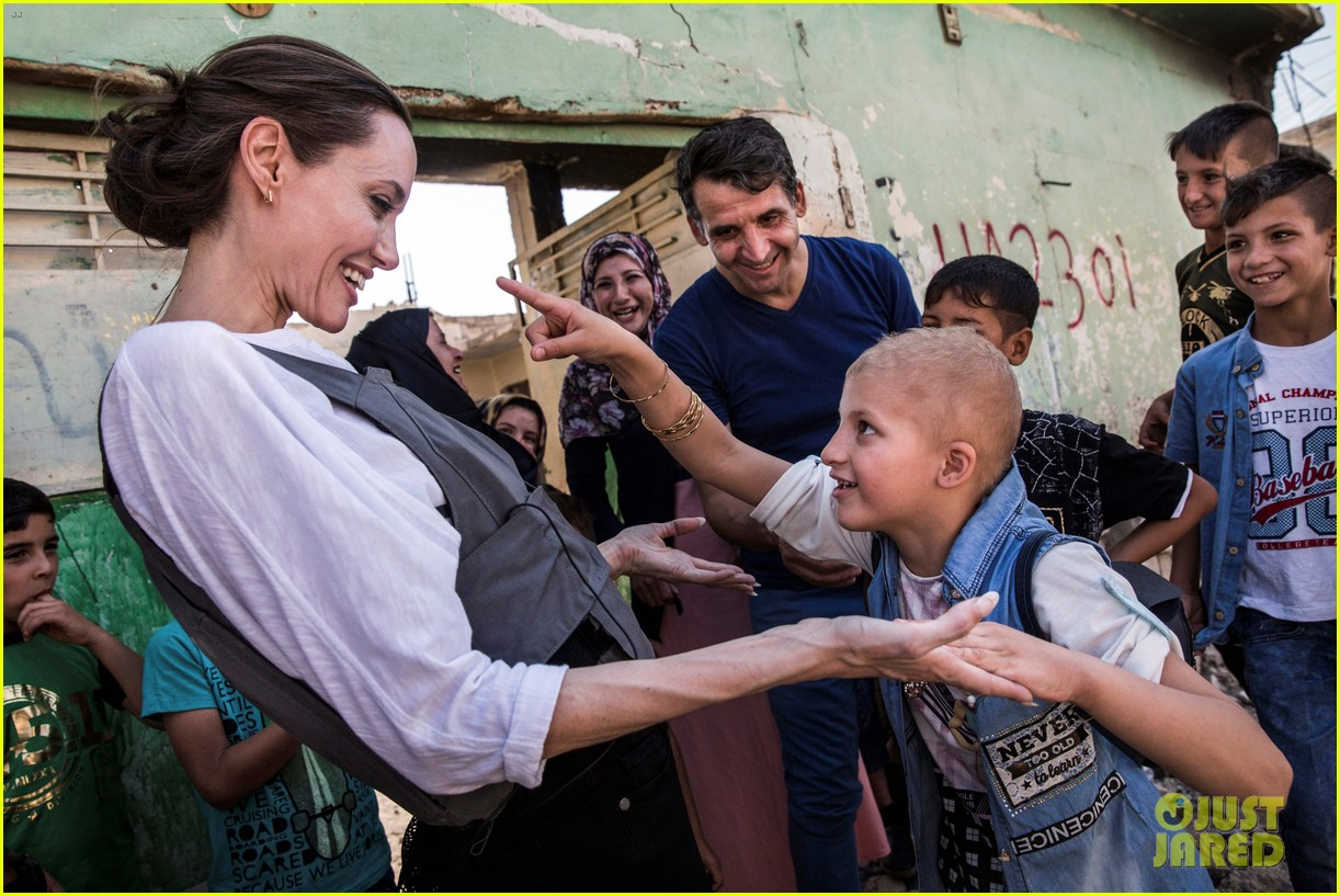 angelina jolie visits iraq unhcr 024102549
