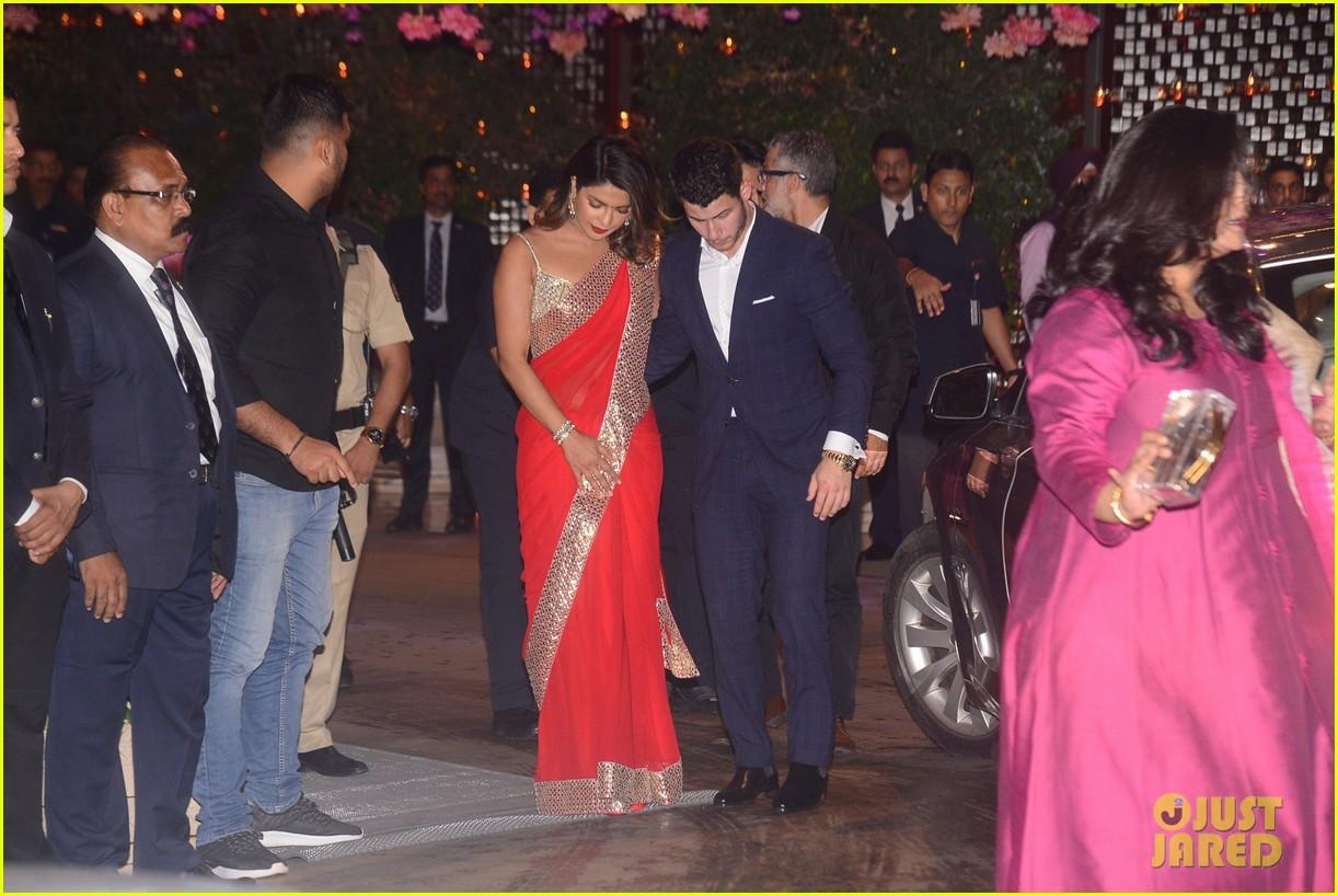 Priyanka Chopra Nick Jonas Attended An Engagement Party During Their Trip To India Photo 4109359 Nick Jonas