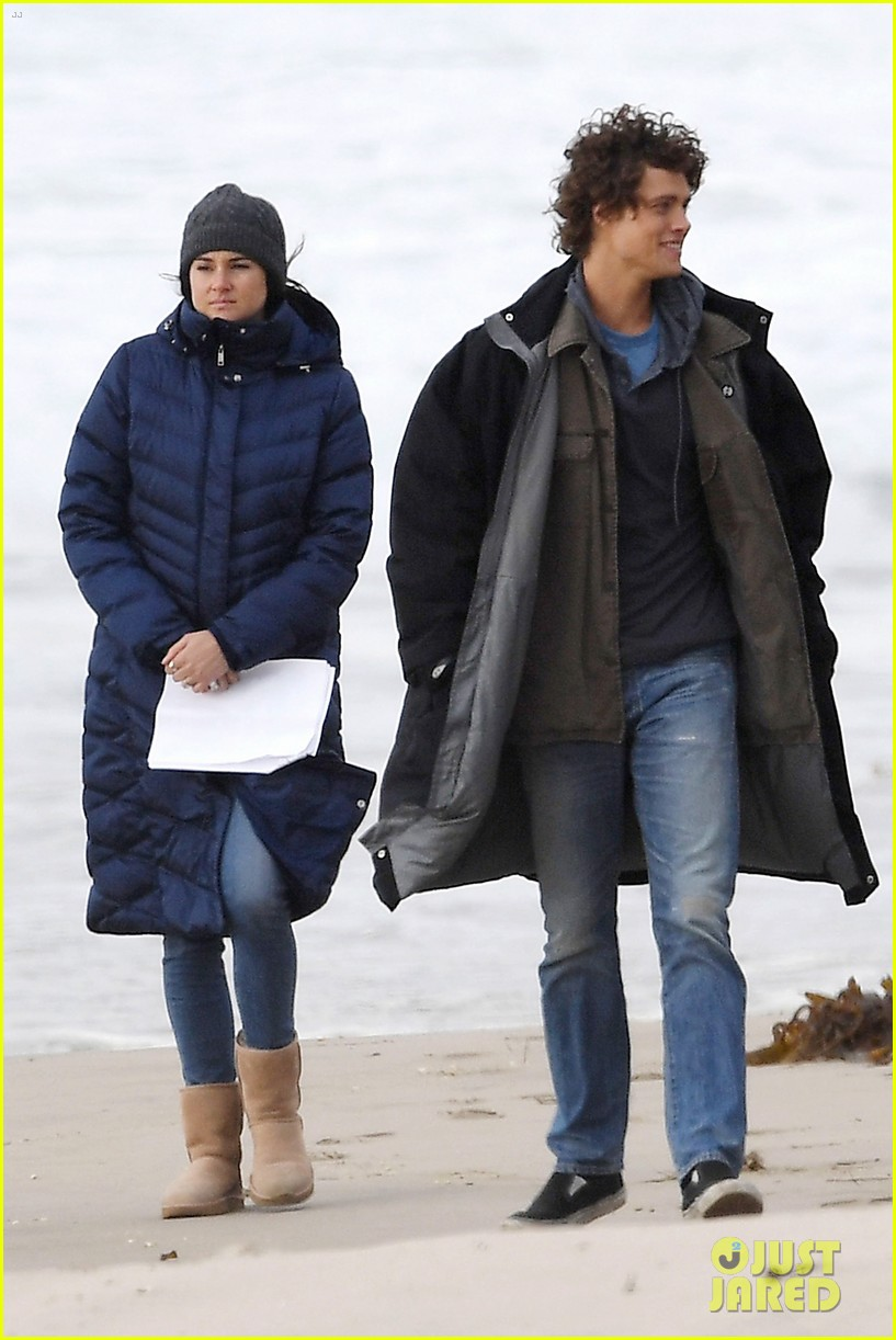 nicole kidman shailene woodley canoeing big little lies 044099678