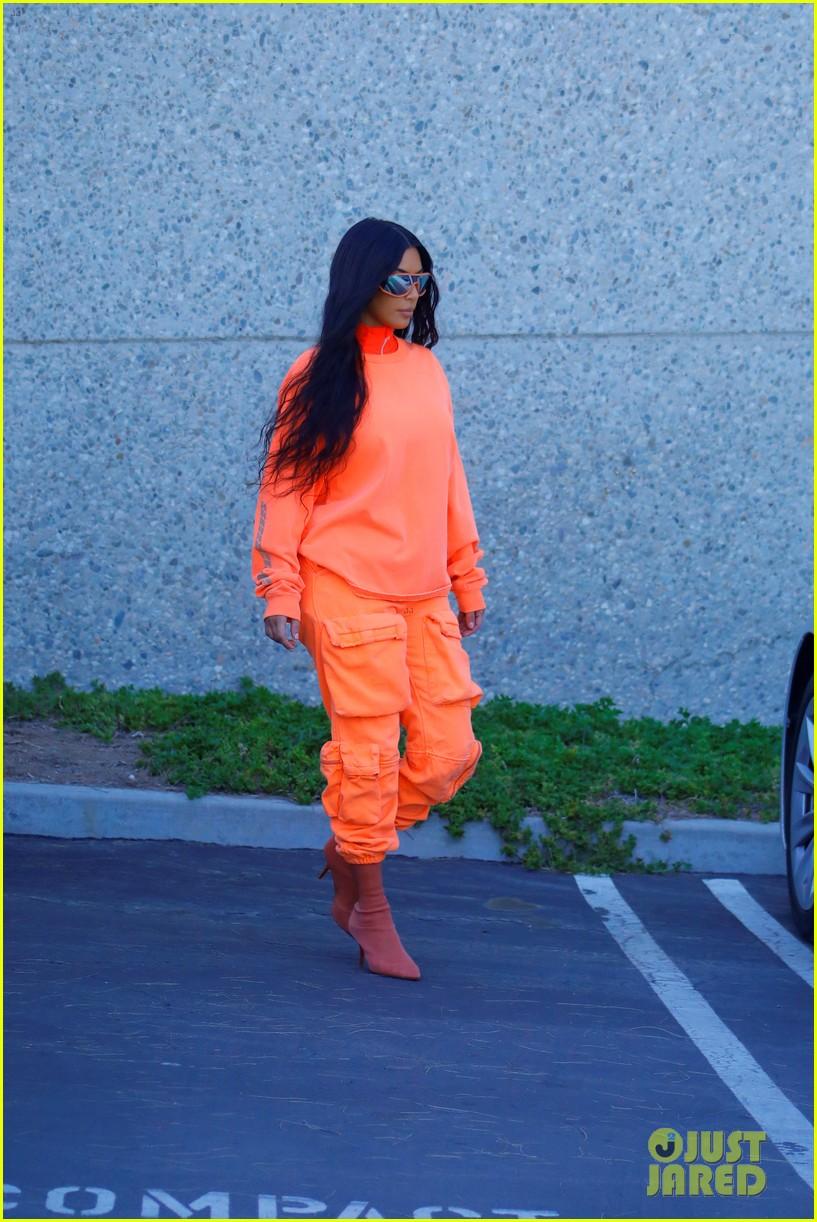 kim kardashian kylie jenner photo shoot june 2018 01 24100323