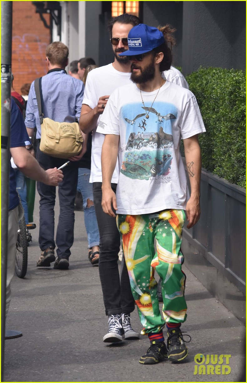 jared leto checks out the sites in dublin 074093827