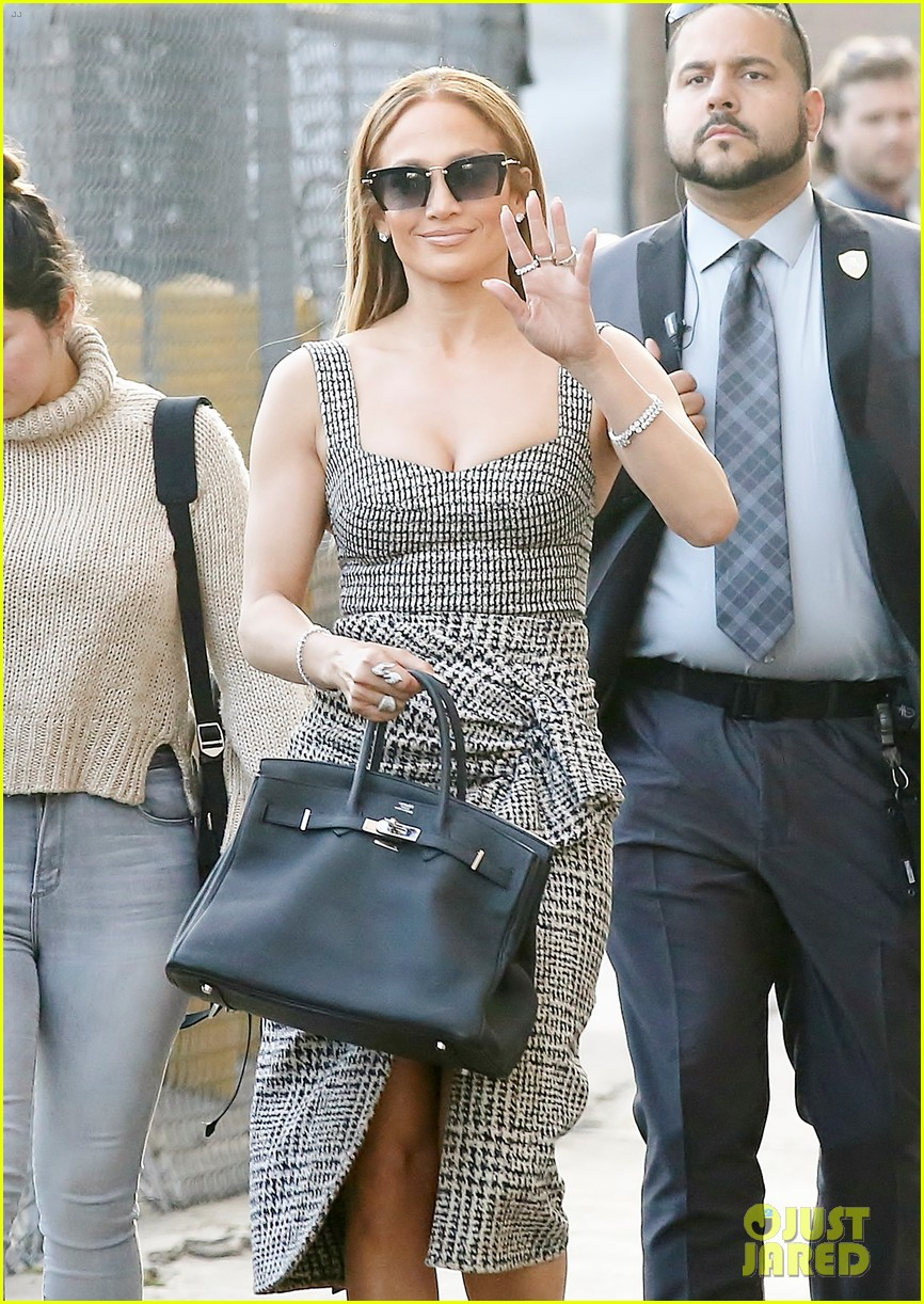 jennifer lopez shows off her curves in plaid dress for kimmel appearance 024096360