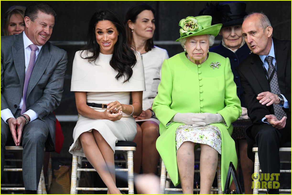 meghan markle queen elizabeth first official visit together 024101227