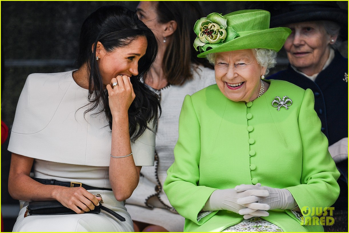 meghan markle queen elizabeth first official visit together 034101228