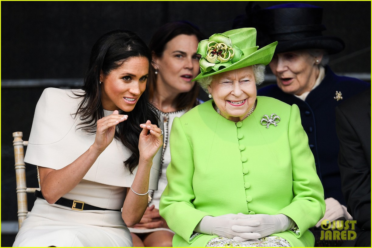 meghan markle queen elizabeth first official visit together 044101229