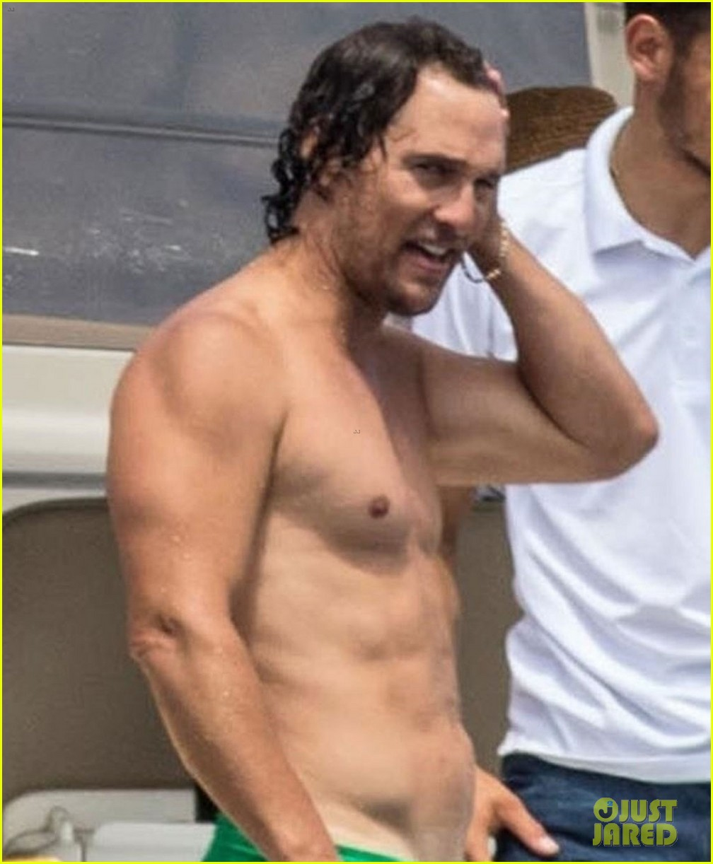 matthew mcconaughey shirtless capri 024106210